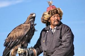 Участник беркутиных соревнований. Монголия 2006. Фото с сайта adventure-guild.livejournal.com